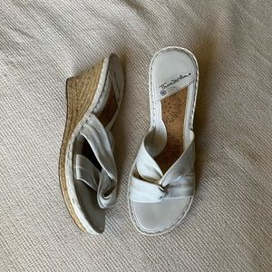 knotted sandal wedges